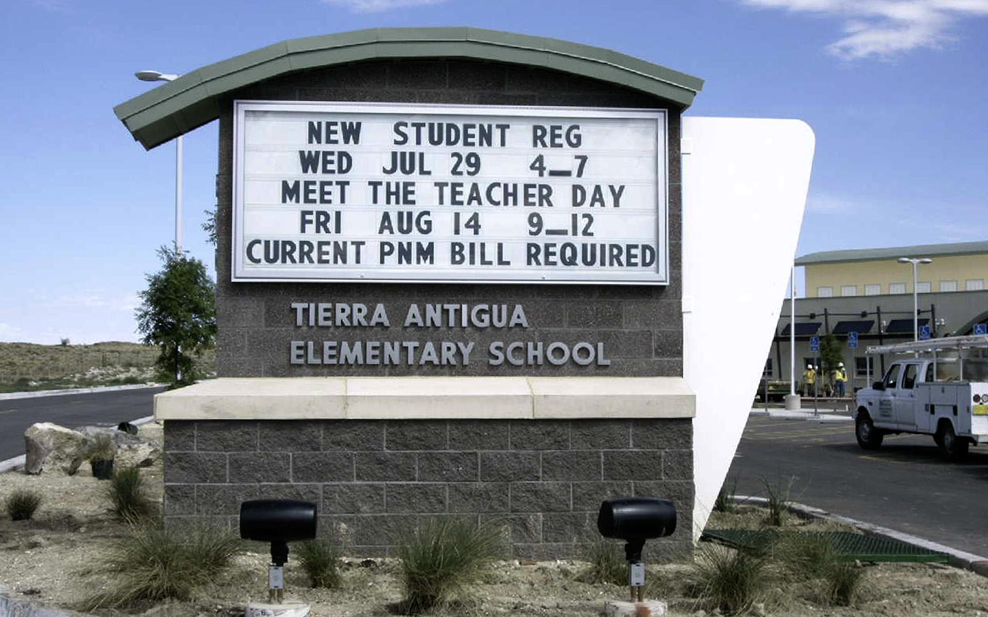 Tierra Reader Board